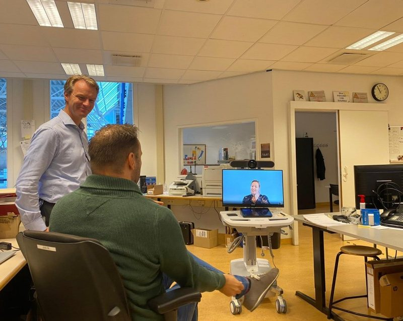 'Workstation on Wheels (WoW)' biedt ziekenhuizen de perfecte mobiele communicatieoplossing